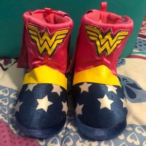 Other - Wonder Woman Slippers